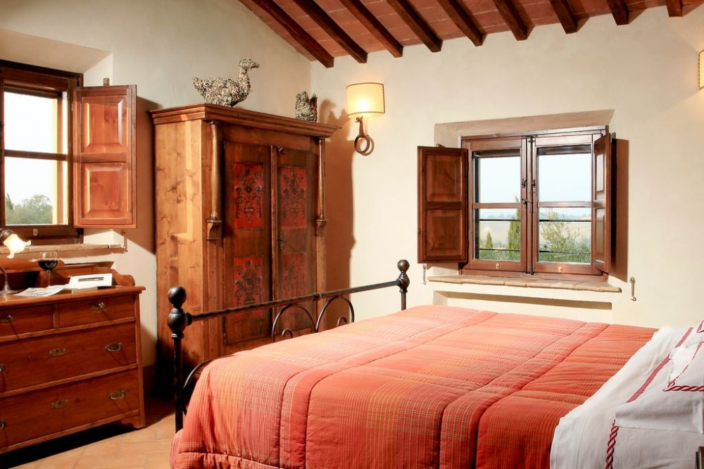 country villa in southern tuscany with room