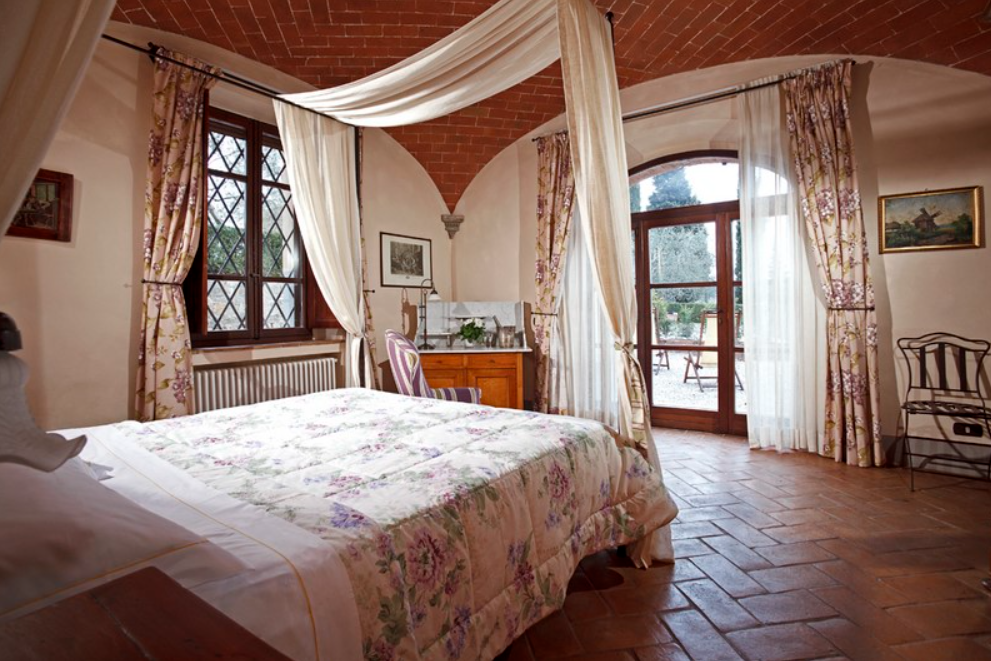 country villa in southern tuscany room