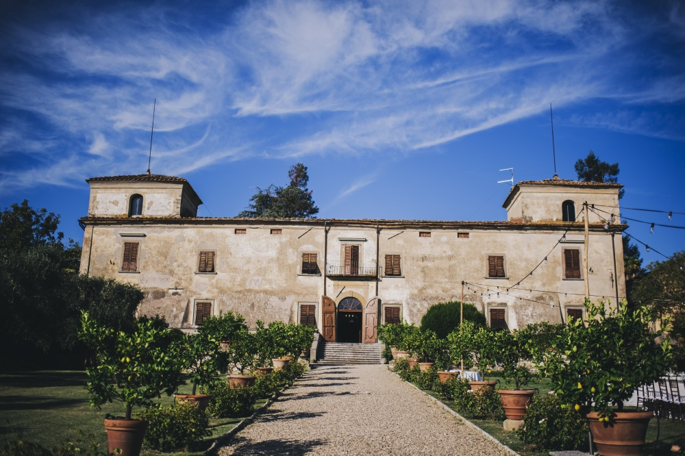 best rustic places to get married in tuscany