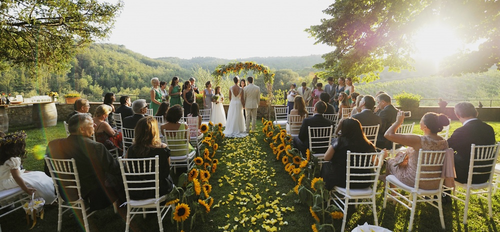 best places and farmhouses to be get married in tuscany