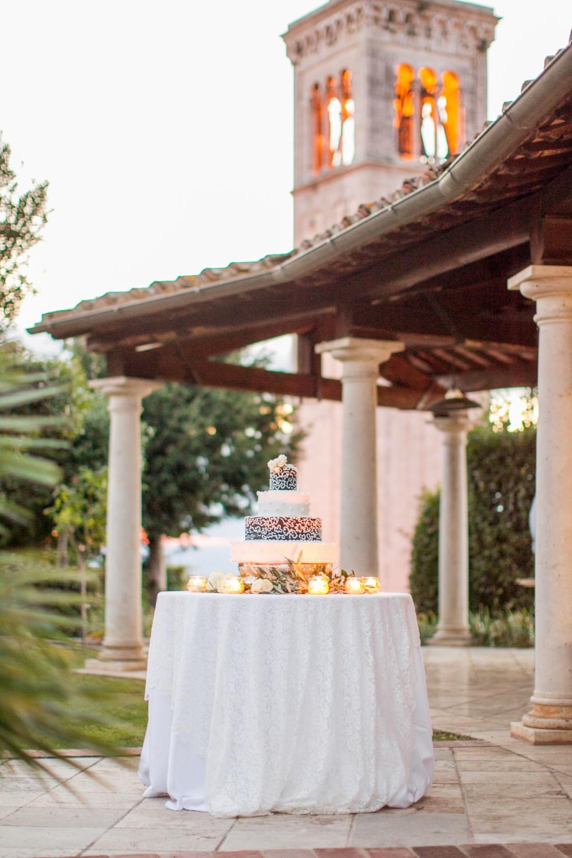 wedding cake in a castle for wedding in siena
