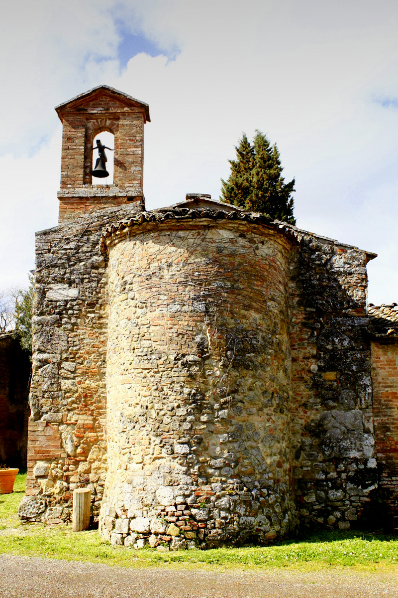 small church for weddings in siena