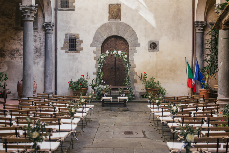 wedding civil ceremony in a castle in florence