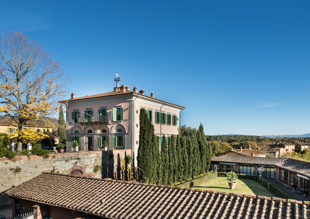 aerial view of a charming wedding villa in tuscany
