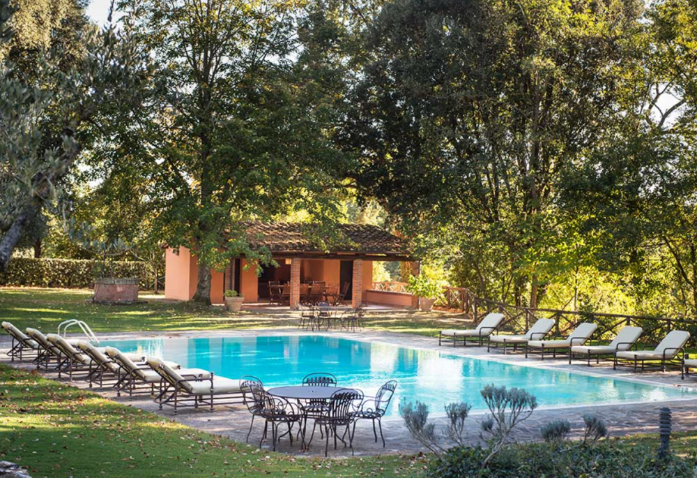 charming wedding pool in a villa in tuscany