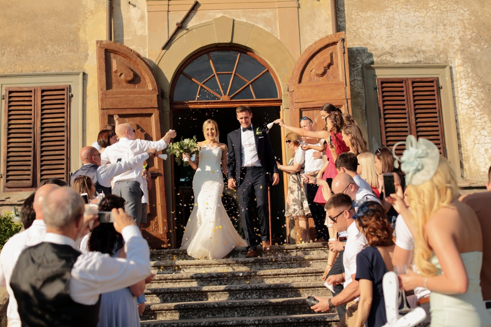 country chic real wedding couple entrance in tuscany
