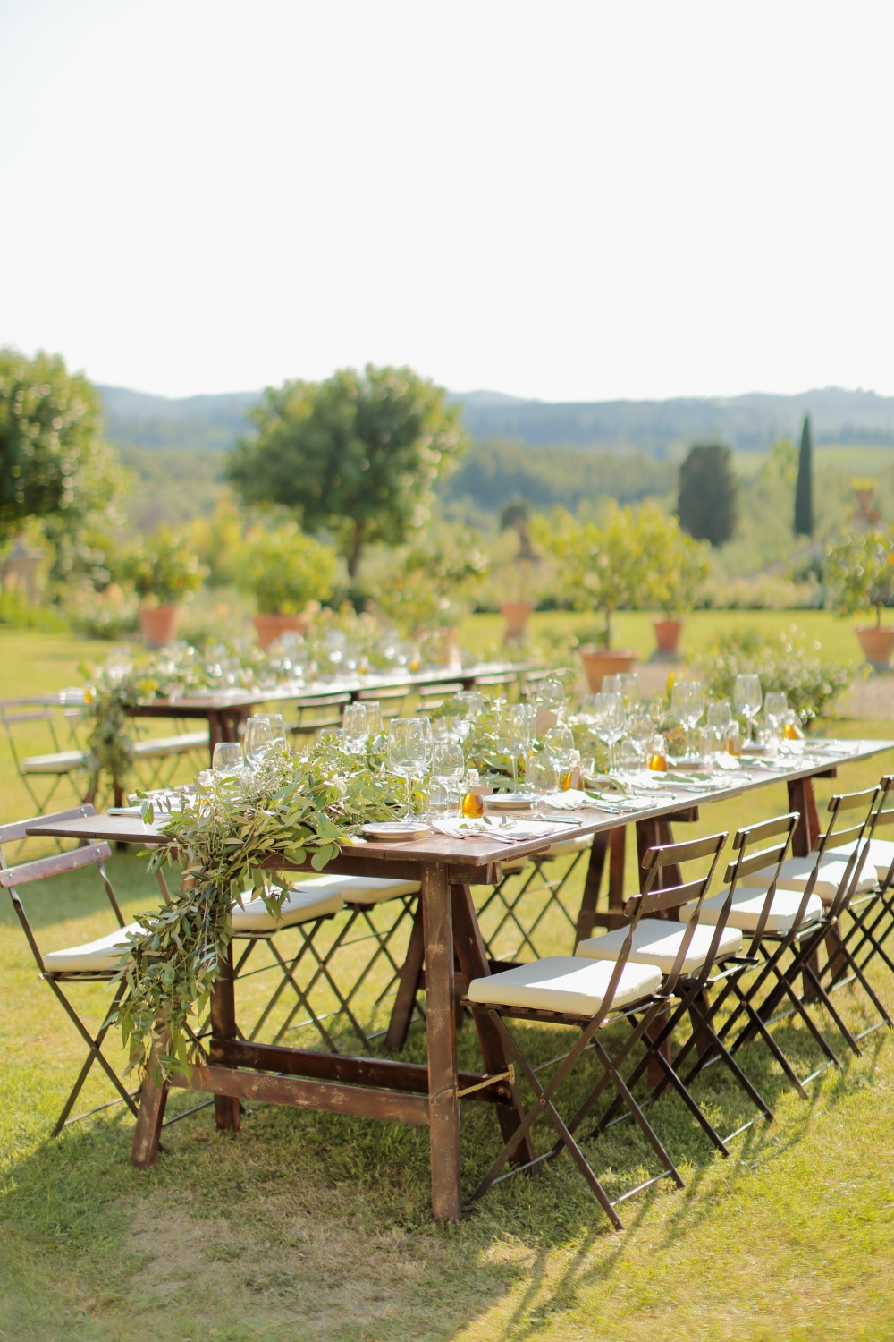 country chic real wedding table setting in tuscany