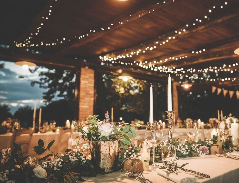 country chic hamlet for wedding in siena