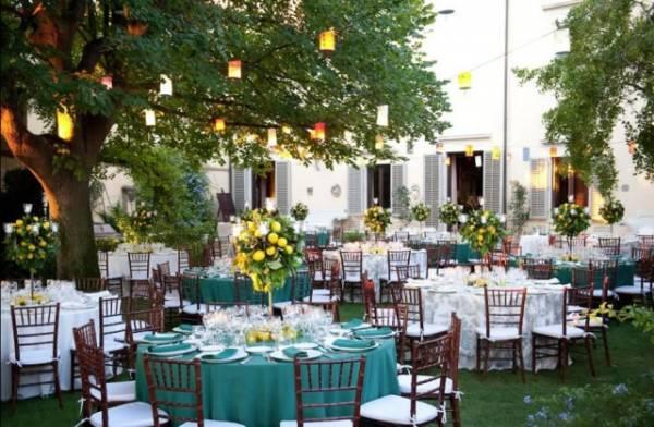 dinner in a castle for destination wedding