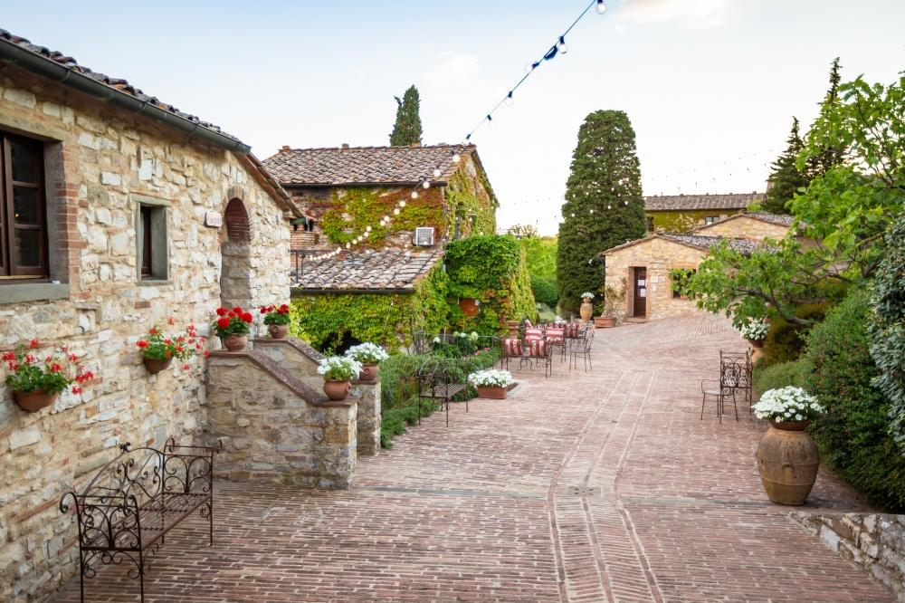 destination wedding villa in italy