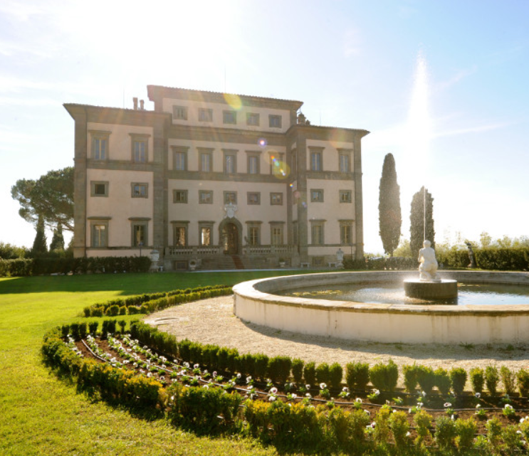 destination wedding luxury villa in tuscany