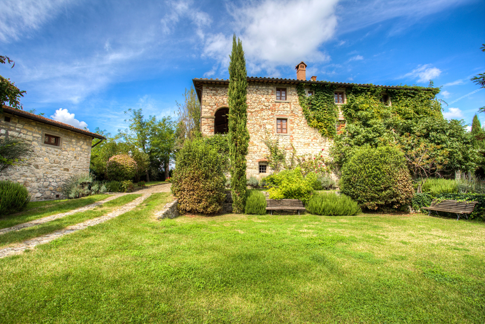 gardens for wedding ceremony and reception in a hamlet in tuscany