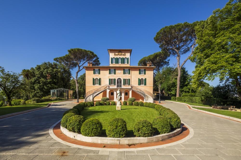 elegant entrance in a wedding villa