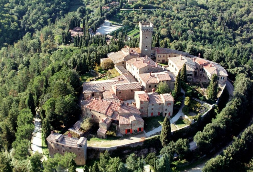 farmhouse for weddings in tuscany aerial view