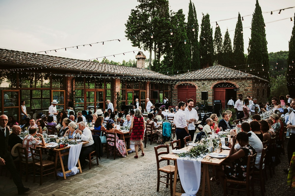 wedding dinner in a farmhouse in tuscany