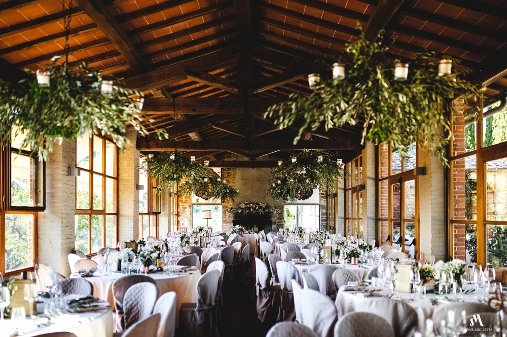 farmhouse for weddings in tuscany with restaurant