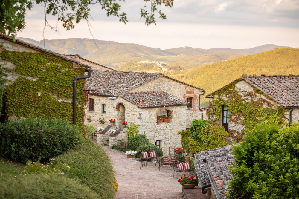 getting married in a old borgo in tuscany
