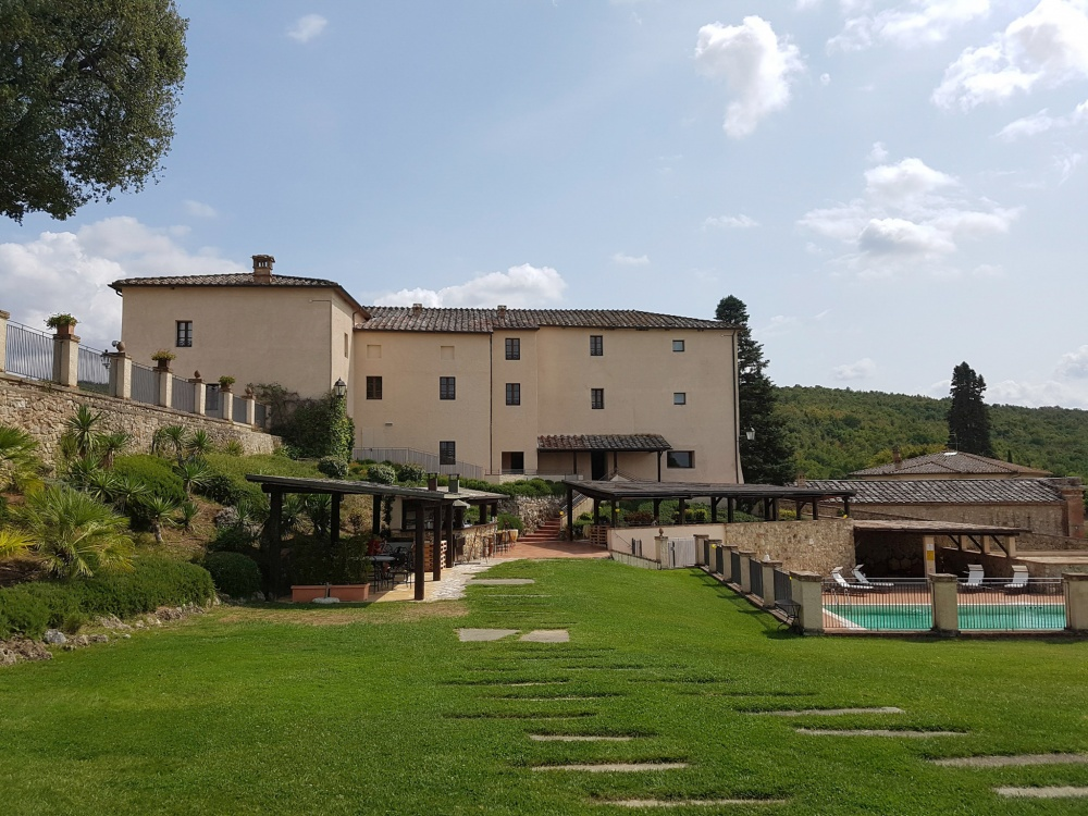 front view of a hamlet for wedding in tuscany