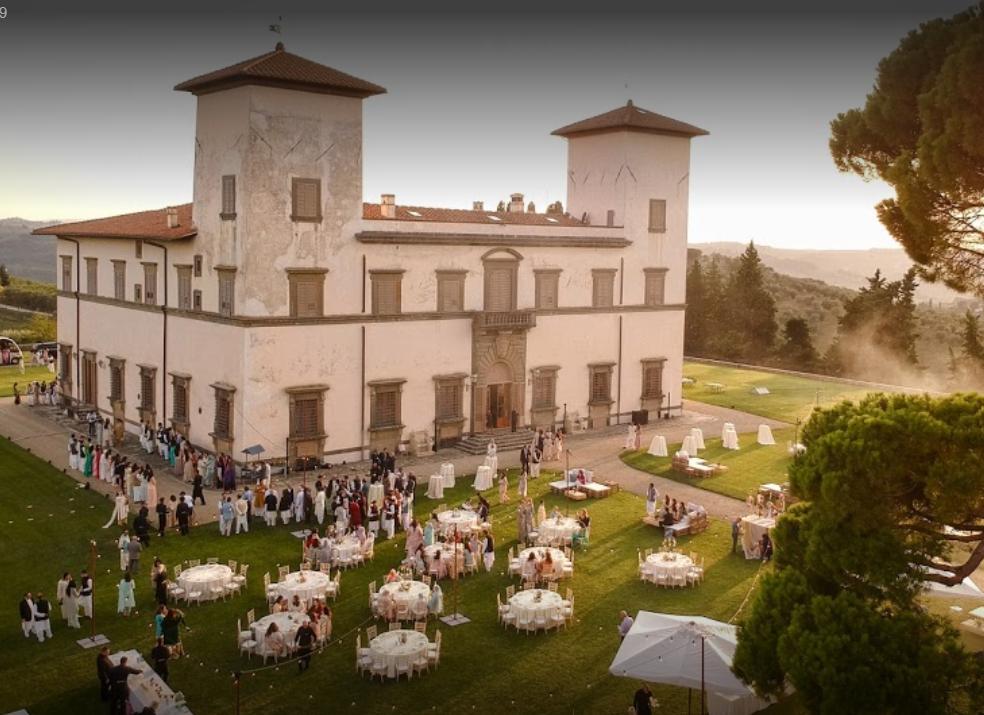 hindu weddings in tuscany wedding dinner table setting aerial view