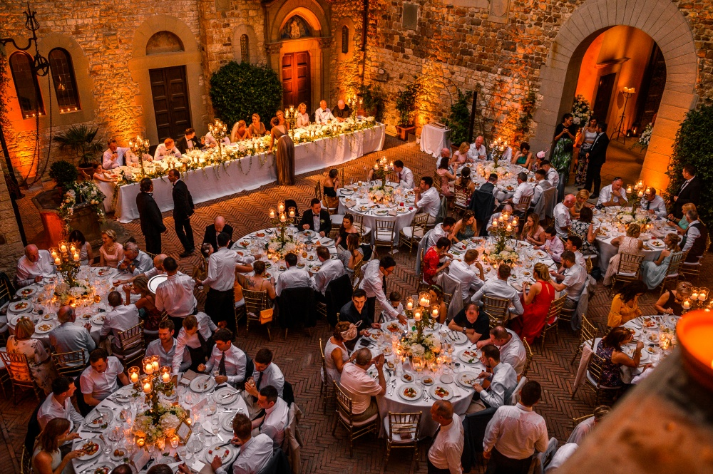 how to plan your wedding in a castle in tuscany