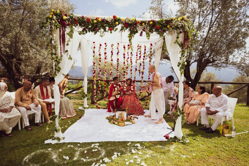 how to plan your indian wedding in tuscany