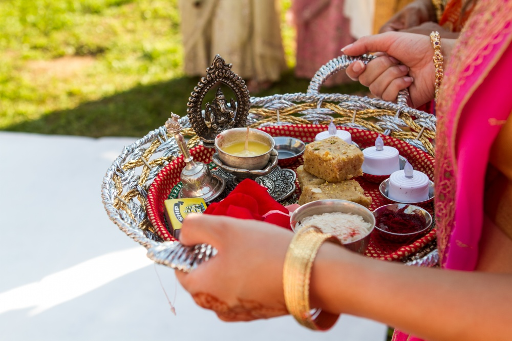 indian weddings details in tuscany