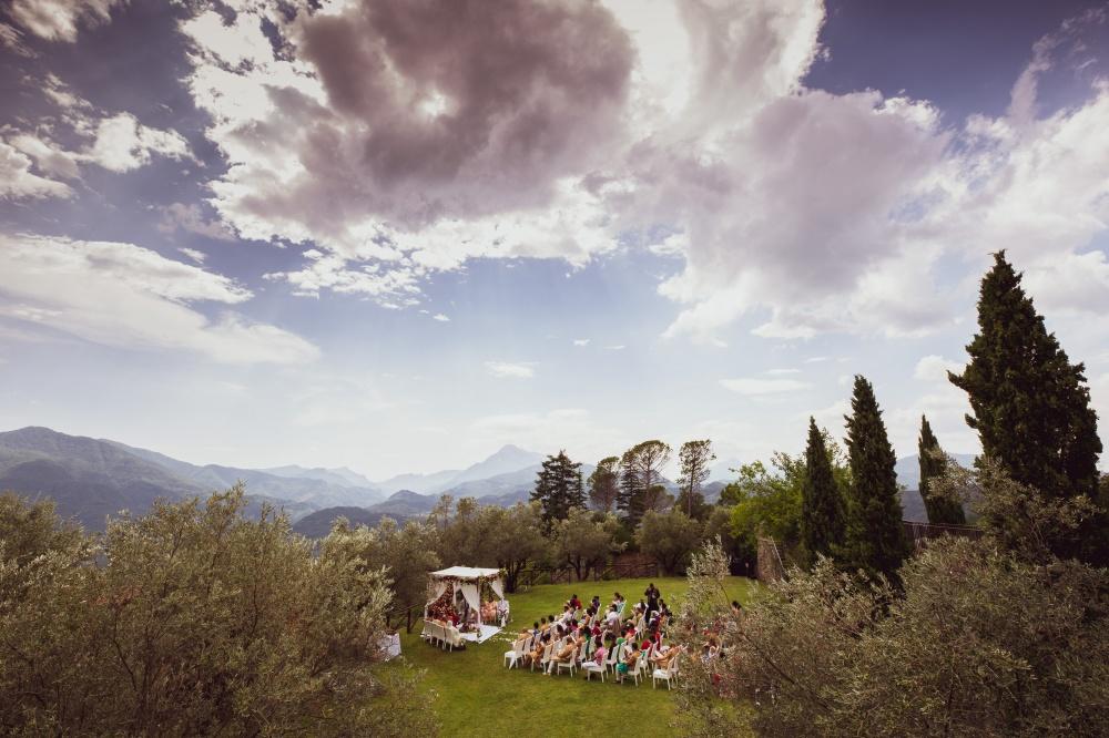 indian wedding ceremony in tuscany