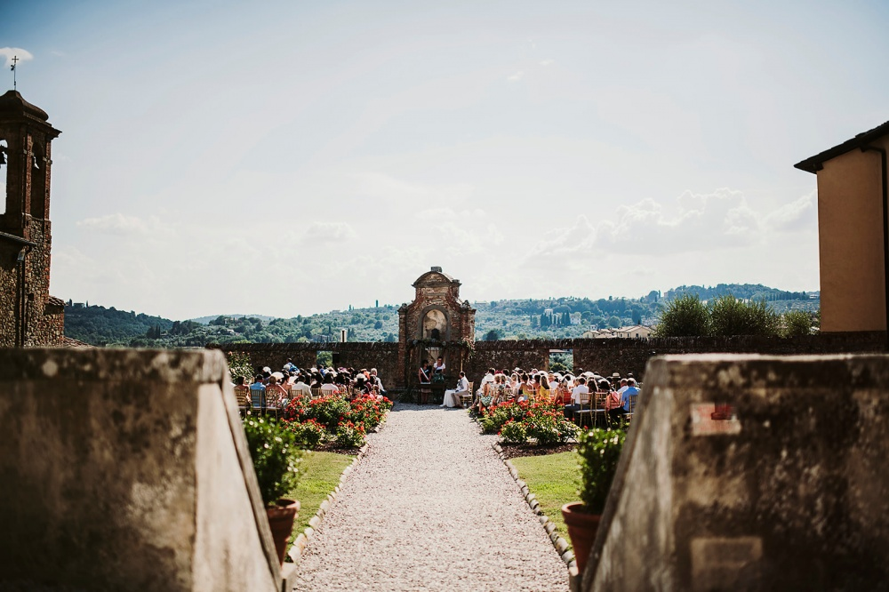 legal requirements to get married in a castle in italy