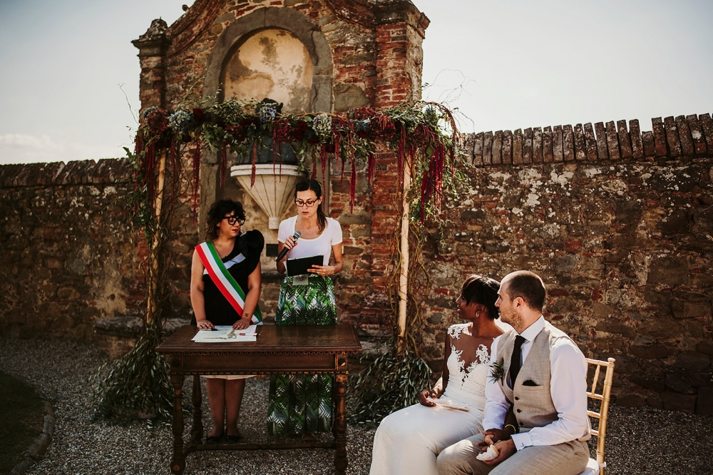 legal requirements to get married in a garden italy