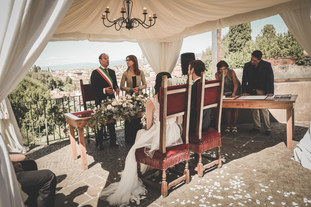 legal requirements to get married on a terrace italy