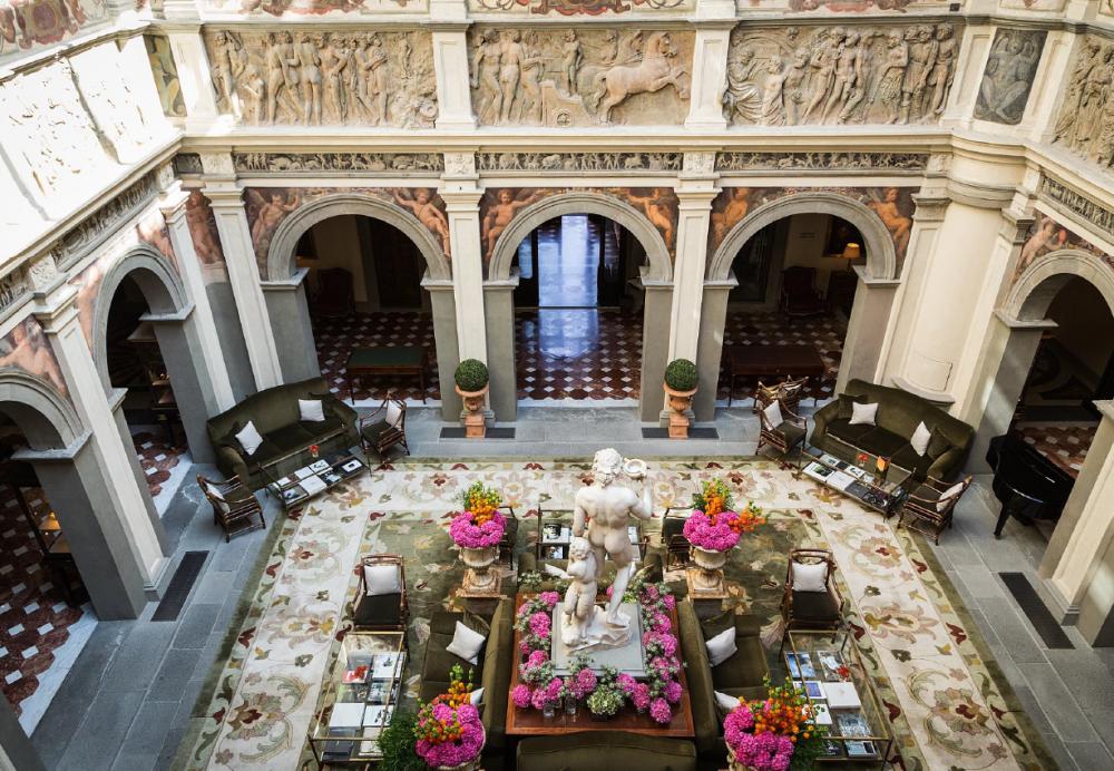lobby-indoor-area-luxury-wedding-villa-in-florence