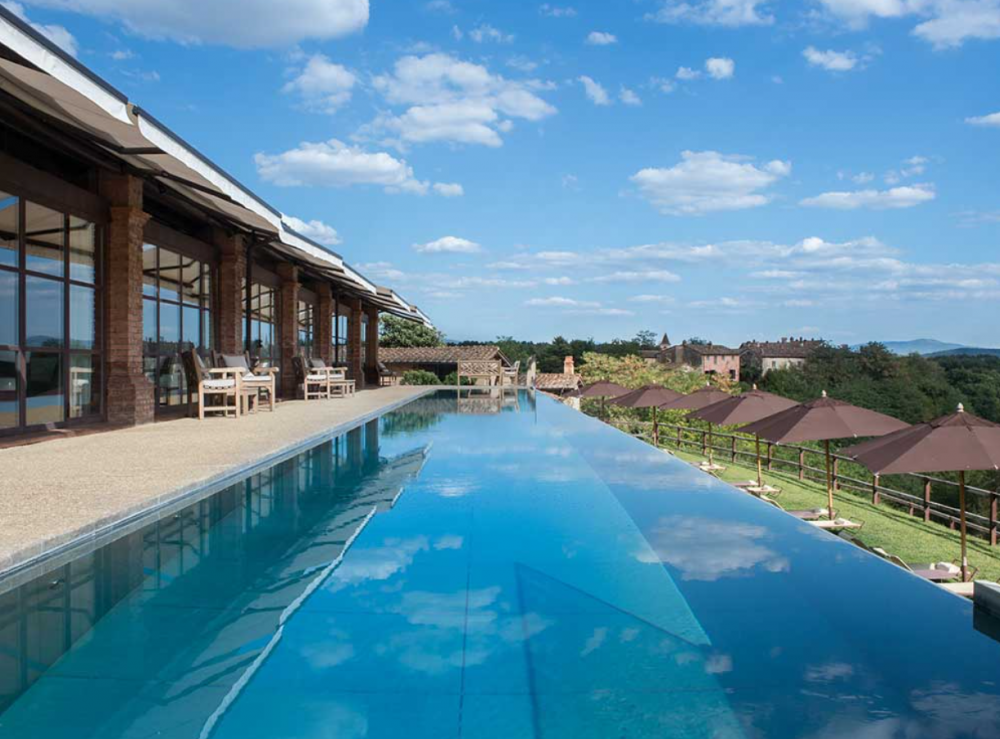 infinity pool in a luxury hotel for weddings in tuscany
