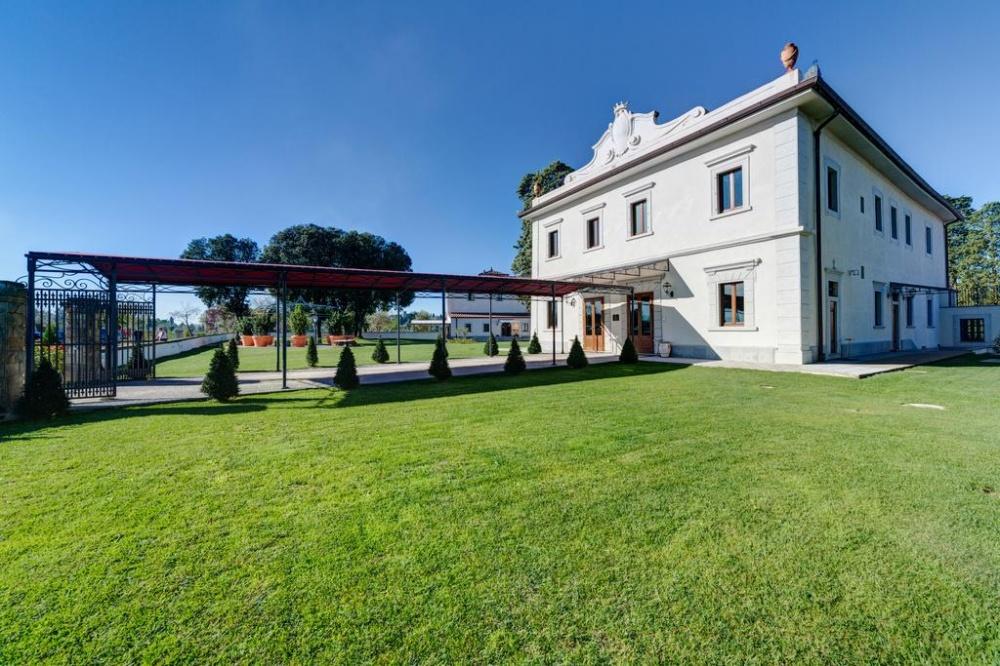 garden for weddings in a resort in florence