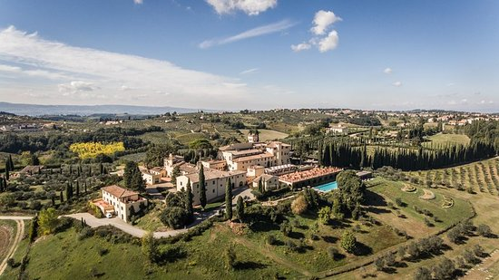aerial view of a castle for weddings in chianti