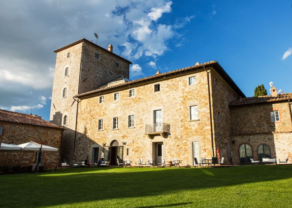 gardens in a luxury wedding hamlet in tuscany
