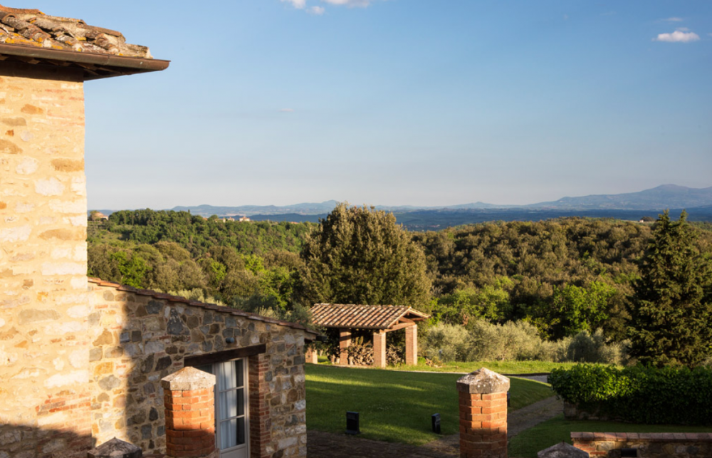 side view of a luxury wedding hamlet in tuscany