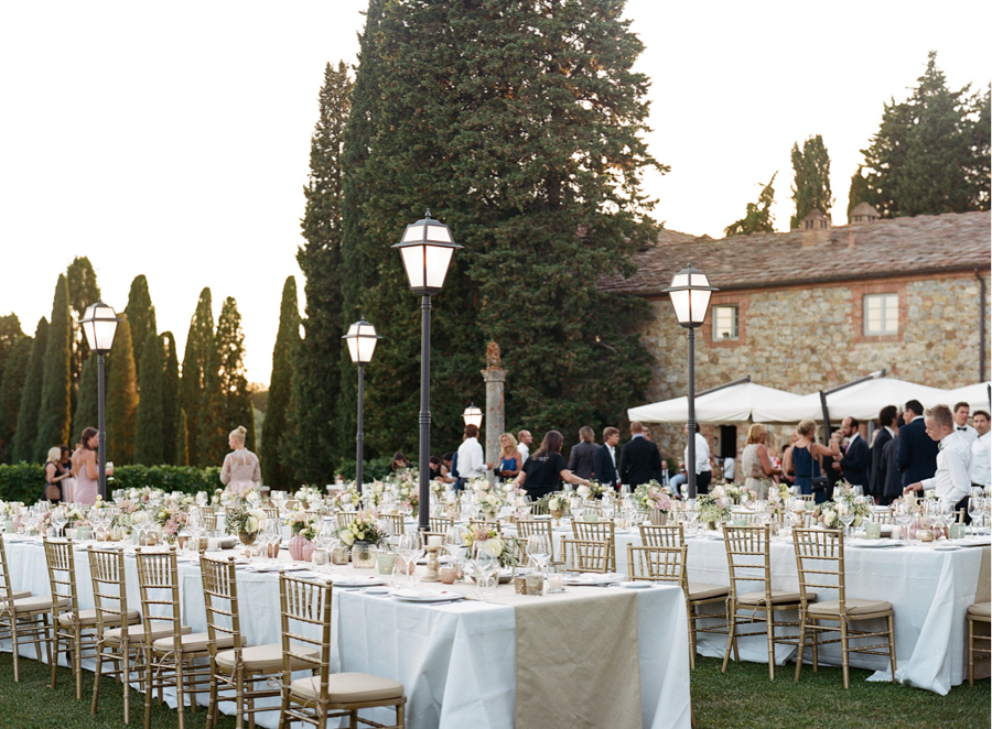 wedding dinner in a luxury hamlet in tuscany