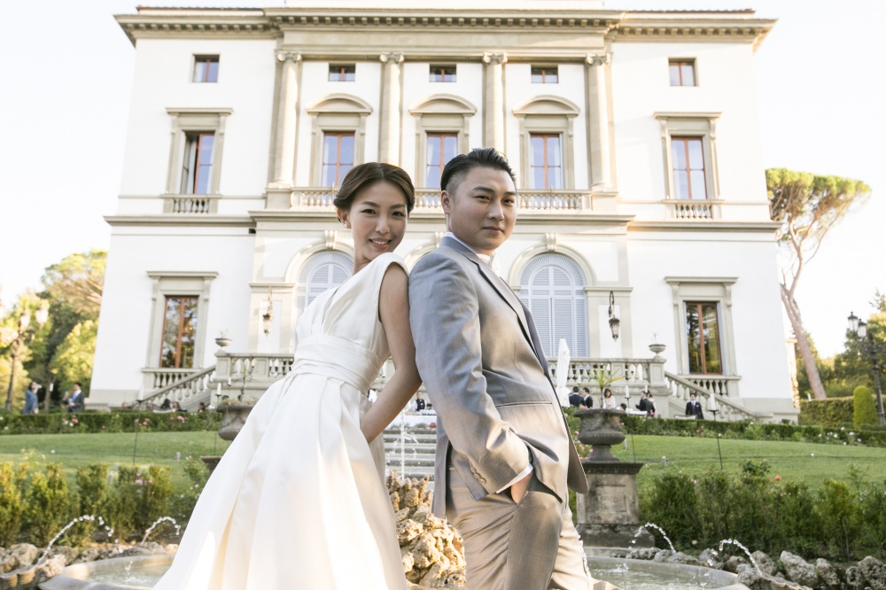 real wedding couple in a luxury hotel in florence