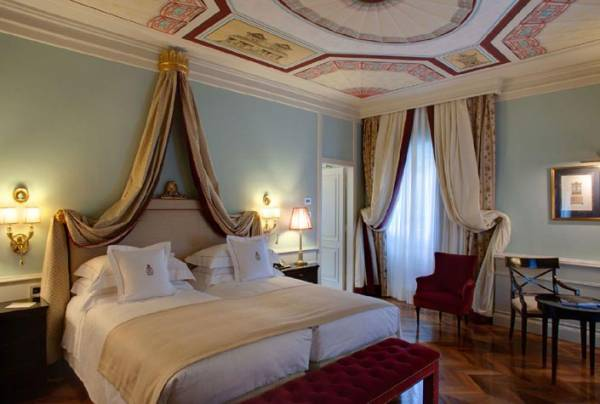 luxury room in a hotel for wedding in florence