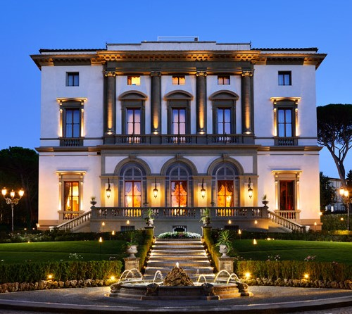 fron view of a luxury wedding hotel in florence