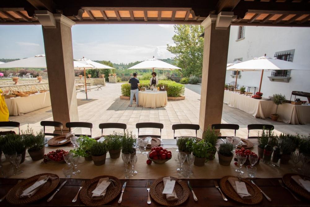 wedding dinner in a luxury resort in tuscany