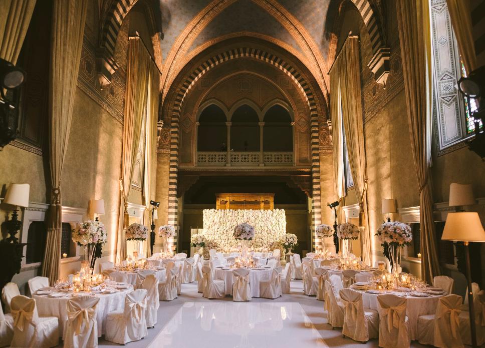 indoor-area-luxury-wedding-villa-in-florence