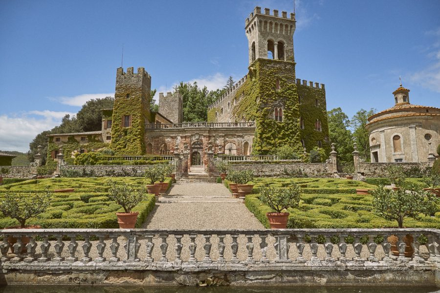 one day rental castle in tuscany front view of a wedding luxury castle