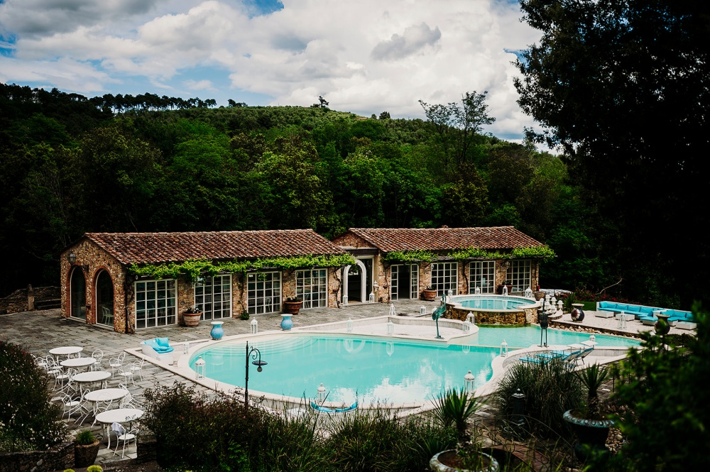 one day rental hamlet in tuscany pool and granai view