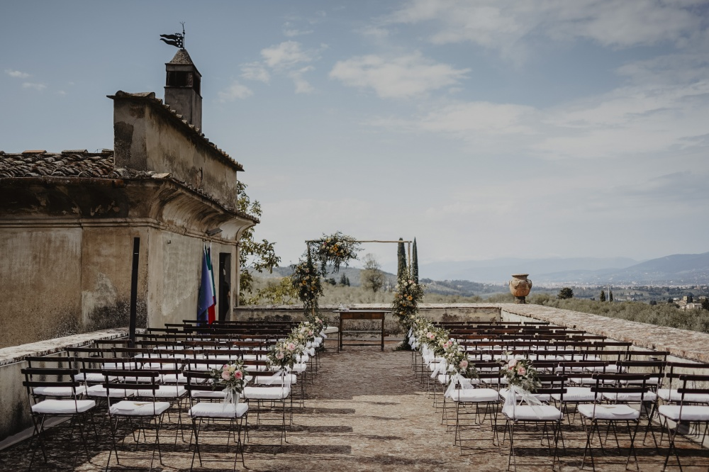 outdoor ceremony in tuscany terrace overlooking florence