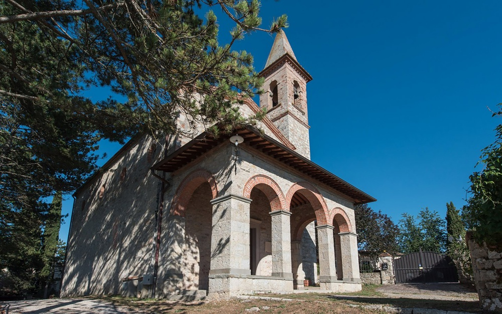 church for wedding ceremonies in a precious hamlet in tuscany