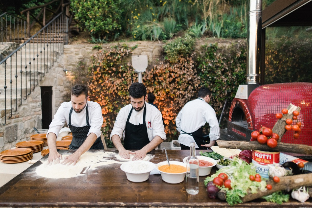 restaurant live pizza making for weddings in tuscany