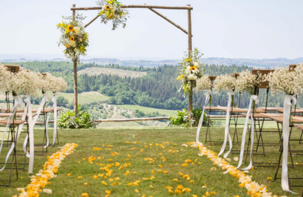romantic wedding ceremony in a farmhouse in tuscany