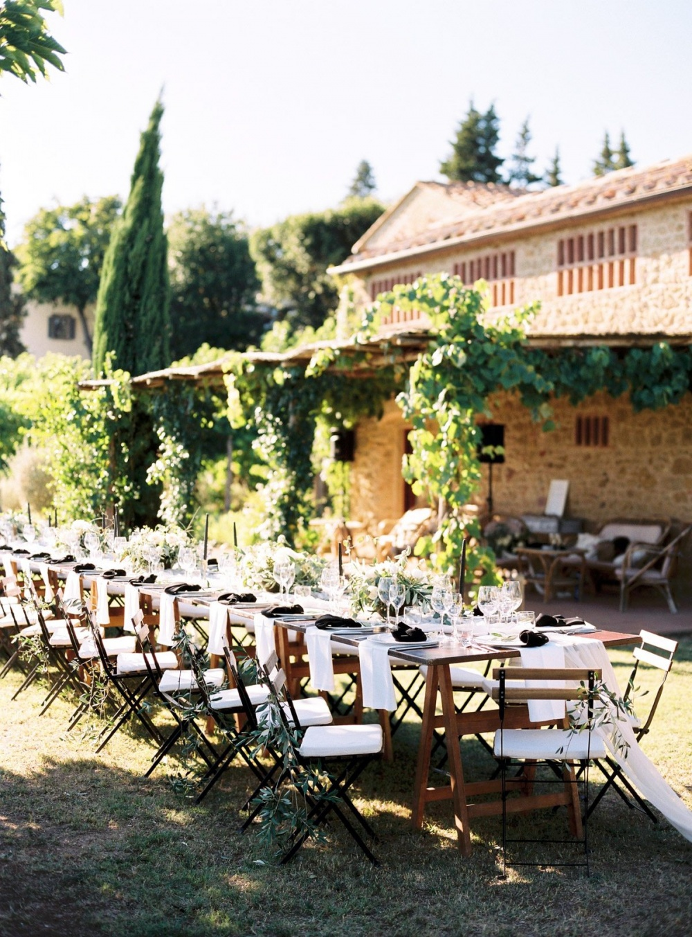 wedding dinner setting in a venue in tuscany