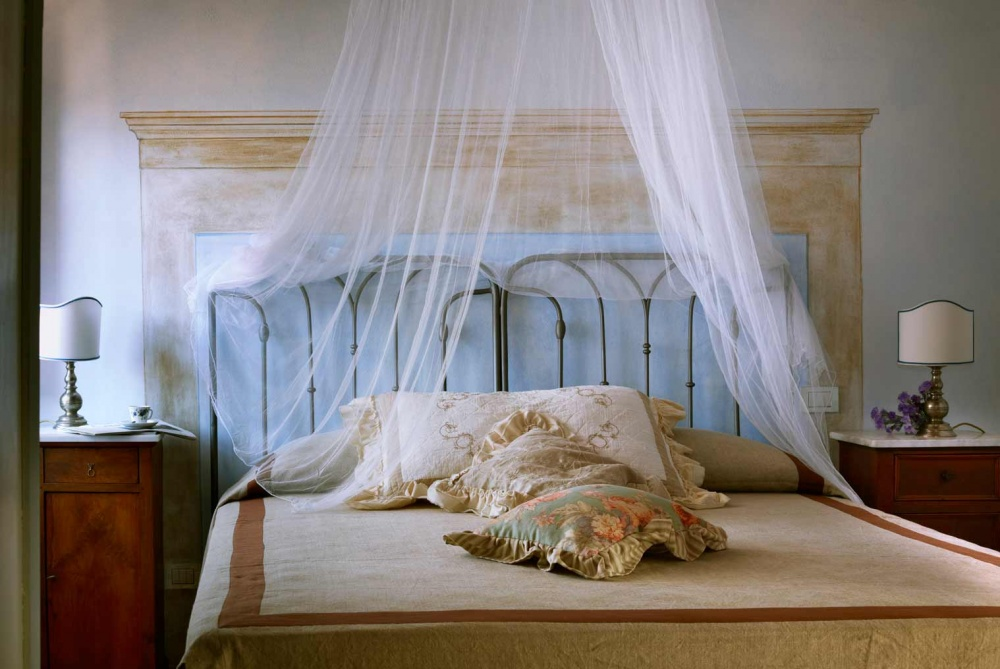room in a romantic wedding venue in tuscany